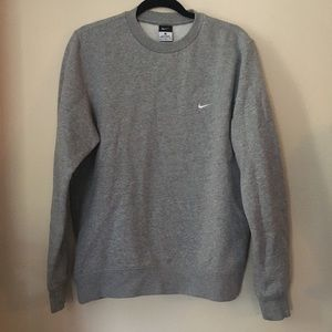 Nike men's pullover